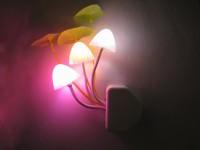 阿凡达蘑菇灯 插电七彩变色led 壁插小夜灯 光控梦幻蘑菇灯