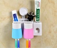 2016新款带自动挤牙膏器洗漱套装 吸盘两口之家 牙刷架 卫浴套装